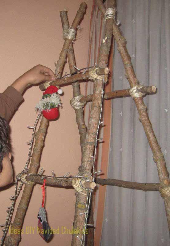 Como hacer un arbol de navidad con una escalera