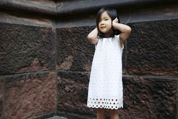 ropa infantil: vestido blanco-chulakids