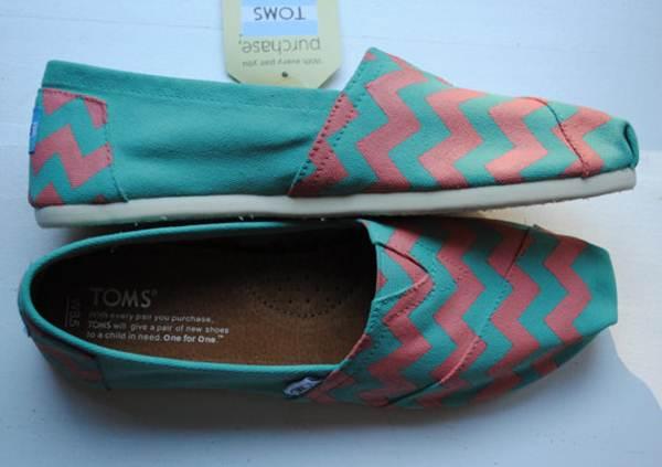 zapatillas de lona: estampado geométrico rosa y azul