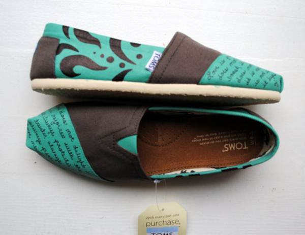 zapatillas de lona: figuras azul y marrón