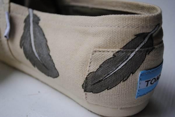 zapatillas de lona: grises estampado plumas