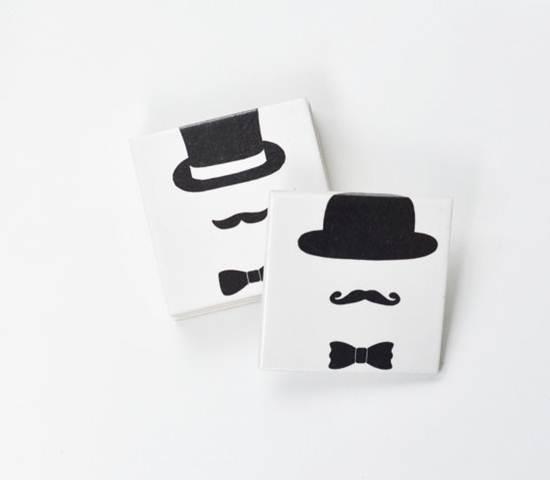 complementos de decoración: hombres con bigote