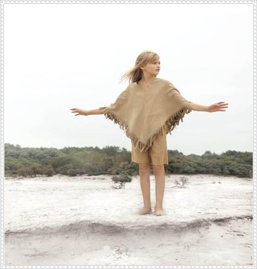 moda infantil: poncho flecos