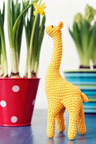 muñecos de ganchillo: jirafa amarilla