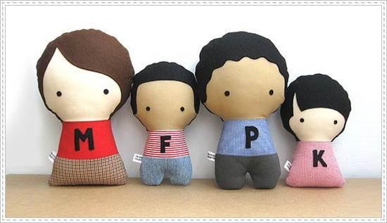 muñecos de trapo: familia iniciales