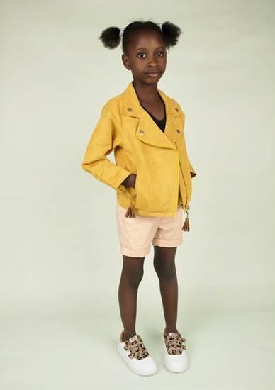 ropa infantil: cazadora amarilla