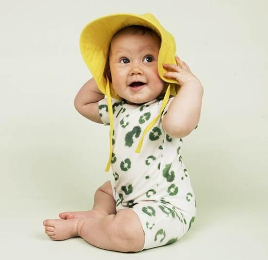 ropa infantil: pelele marcas leopardo