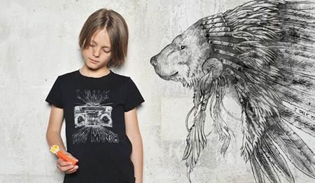 ropa para niños: camiseta negra