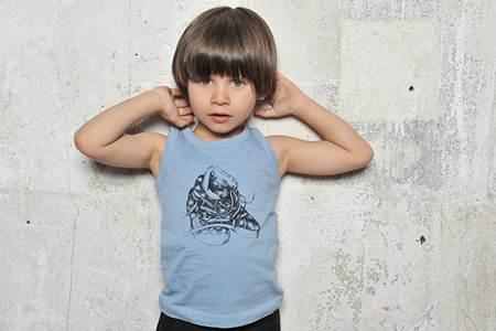 ropa para niños: camiseta tirantes celeste